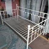 Twin White Metal Daybed in Alamogordo, New Mexico
