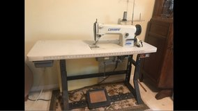 consew industrial sewing machine. in Kingwood, Texas