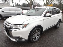 Beat the SNOW 4x4 2017 Mitsubishi Outlander AWD 7 seats in Spangdahlem, Germany