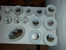 Wunsiedel Bavaria 68 pieces - porcelain service wild motifs with gold rim in Spangdahlem, Germany