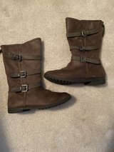 Girls Dress Boots Size 1 in Naperville, Illinois