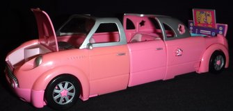 2002 Polly Pocket Rock 'n Pop Pink Stretch Limo in Naperville, Illinois