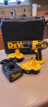 Dewalt Cordless DC720 Drill 2 Battery's Charger Case in Batavia, Illinois