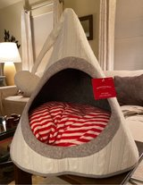 New Pet Bed in St. Charles, Illinois