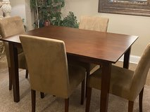 Dining Set in Westmont, Illinois