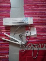 Grundig hair straightener and curls 220V in Stuttgart, GE