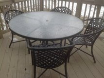 Brown Jordan Outdoor table, 8 Chairs, umbrella , weighted base in St. Charles, Illinois
