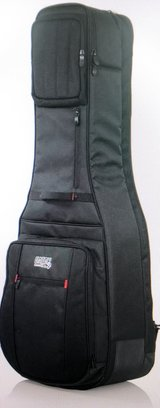 Acoustic/Electric gig bag - 2 guitar in Okinawa, Japan