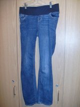 Old NavyMaternity Front Low-Panel Universal Straight Jeans (T=30) in Fort Campbell, Kentucky