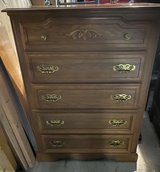 Broyhill dresser good condition in Plainfield, Illinois