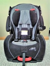SAFETY 1st 3-in-1 Car Seat~Like New in Bolingbrook, Illinois