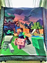 Minecraft Twin/Full Comforter w/ Matching Framed Poster VVGC -Preowned in Chicago, Illinois