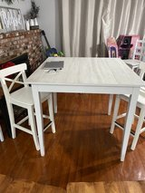 Dining table 4 chairs in Fairfield, California