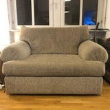 Love Seat couch in Wiesbaden, GE