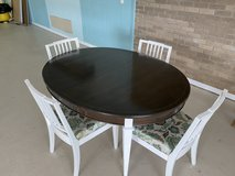 Dinning table with 4 chairs in Fort Rucker, Alabama