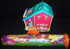 Vintage Polly Pocket Doll -Magnetic Hangin' Out House Playset w/furn, access + Play Mat in Bolingbrook, Illinois