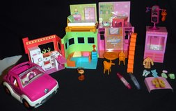 Polly Pocket 2002 Sparkle House / Apartment Playset + Car in Bolingbrook, Illinois