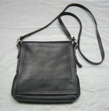 COACH BLACK ALL LEATHER SHOULDER HANDBAG PURSE CROSSBODY in Naperville, Illinois