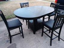 Table with 4 chairs in Kingwood, Texas