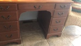 Traditional Wood Desk in St. Charles, Illinois