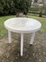 free plastic outdoor table in Ramstein, Germany