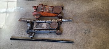 2 Steel hydraulic car floor jack used not working in Naperville, Illinois