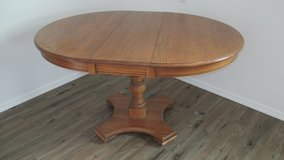 Solid Oak Dining Table in Alamogordo, New Mexico