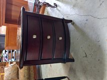 Chest 3 Drawers in Fort Campbell, Kentucky