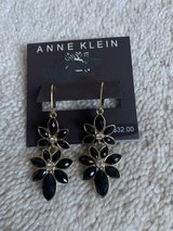New black and gold  earings in Oswego, Illinois
