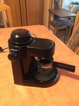 220V espresso maker w/frother in Ramstein, Germany