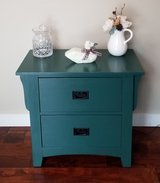End Table - Occasional Table. in Glendale Heights, Illinois