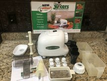 Omega 8003 Auger Juicer, Vegetables, Nut Butter, Homogenizer, Pasta, Processor, Grinder. in Navasota, Texas