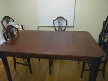 Dining Table and Chairs in Plainfield, Illinois
