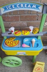 Ice cream play cart in Spring, Texas