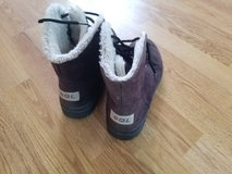 Women's Warm Snow Boots in 29 Palms, California