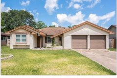 This beautiful 3 bedroom and 2 bathroom home has an all tile flooring throughout in Pearland, Texas