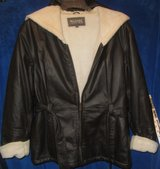 Women's Wilson Leather sherpa lined hooded coat/jacket sz Large in Fort Bliss, Texas