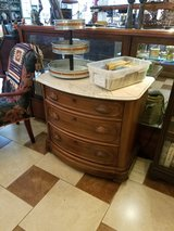 Marble top 3 drawer dresser in Fort Leonard Wood, Missouri