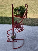 Reduced to $25 small iron spiral plant stand in Kingwood, Texas