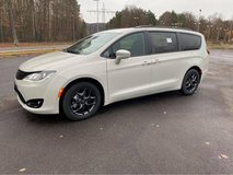 2020 Chrysler Pacifica Touring-L Plus - 1 left in stock in Ramstein, Germany