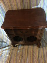 VER NICE HALL TABLE/ NIGHTSTAND in Fort Campbell, Kentucky