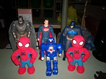 "2- 19"" tall batmans & 19"" tall superman & 2- 15"" tall spidermans & power ranger 15"" tall in Elizabethtown, Kentucky"