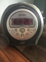 Audiovox am/fm/cd clock radio with 2 alarm settings in Naperville, Illinois