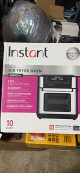 Instant Air fryer Oven in Beaufort, South Carolina