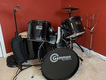 5 piece Drum Set in Naperville, Illinois