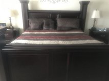 King Bedroom Set in Bolling AFB, DC
