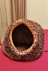 NEW CAT CAVE BED. in Alamogordo, New Mexico