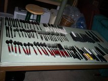 flatware sets and knifes - 115 pieces in Elizabethtown, Kentucky