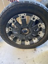 "4 (20"") Rims & 4 285/55R20 Tires in Camp Pendleton, California"
