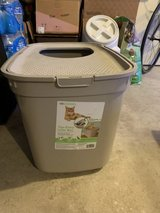Top-Entry Litter Box in Fort Lewis, Washington